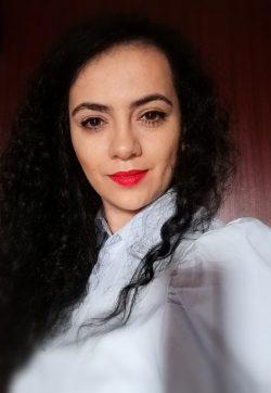 Alina Bade Photo